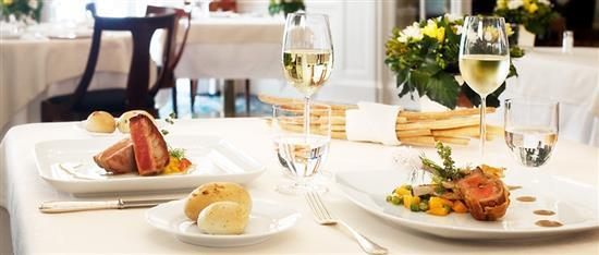 Prova le specialità del Ristorante La Barca - Gustosi Piatti per deliziare il tuo palato!