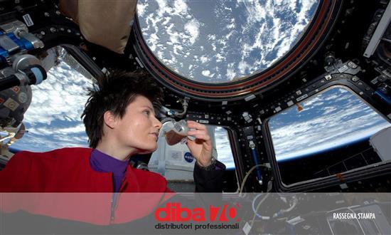 Pausa caffè per Samantha Cristoforetti, bevuto il primo espresso nello spazio - Diba 70 distributori professionali, rassegna stampa