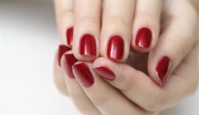 offerta manicure pi 249 applicazione smalto semipermanente imperia estetica reds