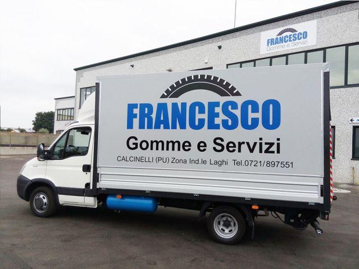 FRANCESCO GOMME E SERVIZI Saltara foto 2